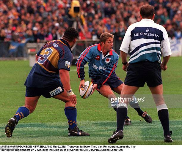 Nth Transvaal fullback Theo van Rensburg attacks the line rduring the Highlanders 277 win over the Blue Bulls at Carisbrook