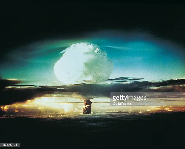 Nuclear Bomb Test, Bikini atoll and Enewetak, October 21 1952