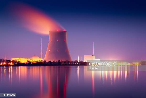 nuclear power plant - atomic imagery 個照片及圖片檔