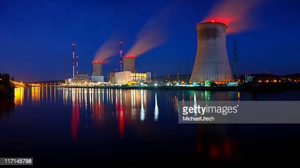 Central Nuclear Panorama de la noche