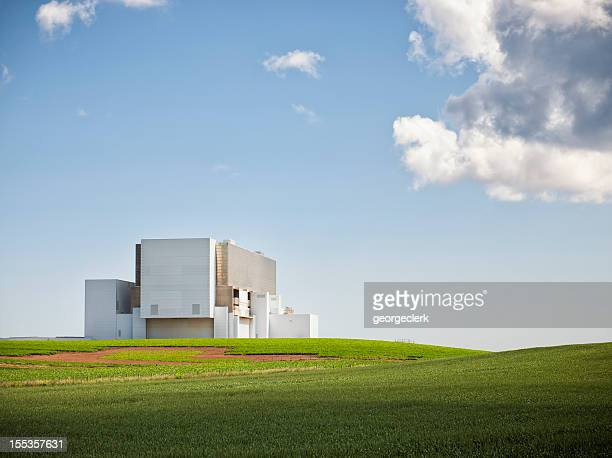 nuclear power station - nuclear power station stock pictures, royalty-free photos & images
