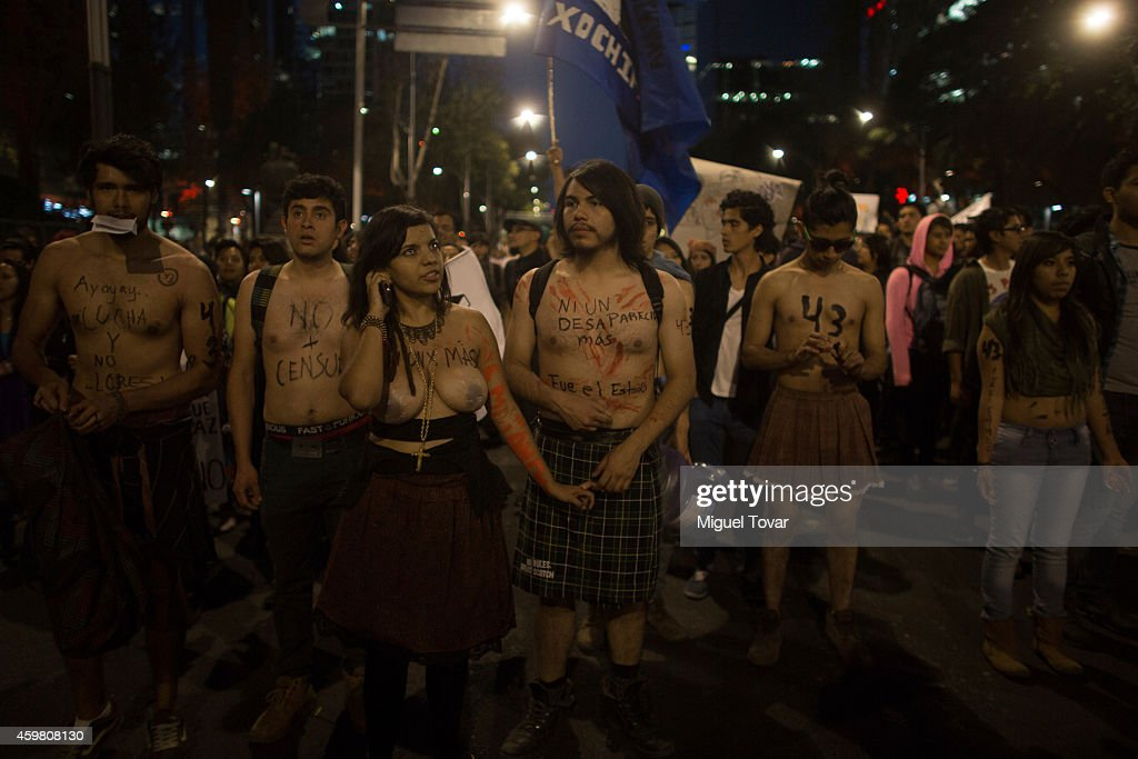 Farmers demonstration Mexico City | Naked demonstration in