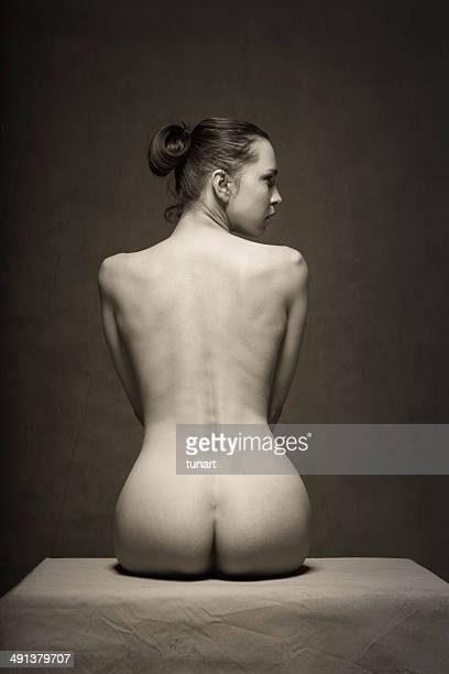 chair - femme vintage noir et blanc photos et images de collection