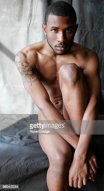 nude ritratto di uomo sportivo - ragazzi fighi nudi foto e immagini stock