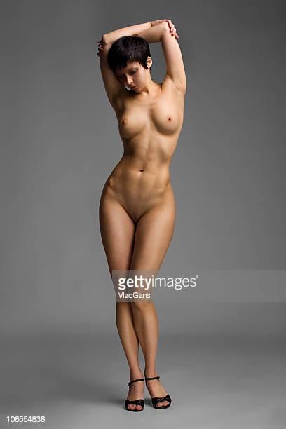 nude garota em pé - vlad models - fotografias e filmes do acervo