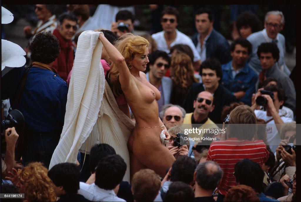 nude on festival