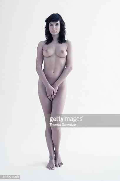 nude woman - genitales femeninos fotografías e imágenes de stock