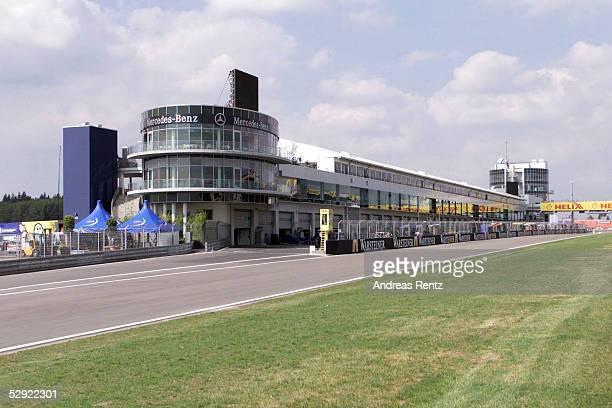 EUROPA 2001 Nuerburgring MERCEDESBENZ TRIBUENE/BOXENGASSE/STARTZIELGERADE