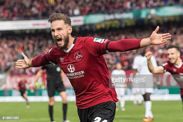 Nuernberg Deutschland 2 Bundesliga 10 Spieltag 1 FC Nuernberg Hannover 96 bejubelt sein Tor zum 10 Tim Matavz