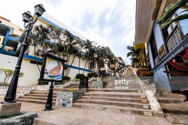 número de pasos en el barrio de las peñas en guayaquil - guayaquil fotografías e imágenes de stock
