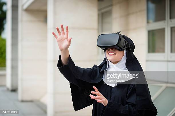 Nun and VR