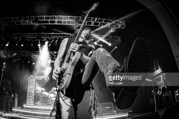 Nuno Bettencourt of Extreme performs live on stage at the O2 Brixton Academy on December 20, 2017 in London, England.