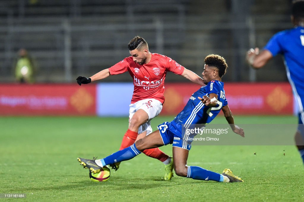 29 EME JOURNEE DE LIGUE 1 CONFORAMA : NÎMES OLYMPIQUE - RACING CLUB DE STRASBOURG ALSACE  - Page 2 Nuno-da-costa-of-strasbourg-and-jordan-ferri-of-nimes-during-the-1-picture-id1131161464