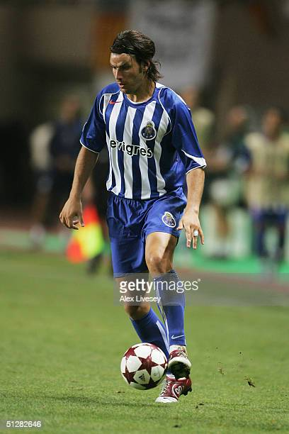 Nuno Valente of FC Porto runs with the ball during the UEFA Super Cup match between Porto and Valencia at the Stade Louis II on August 27 2004 in...