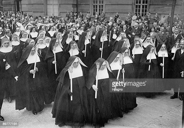 Nuns are visiting a Corpus Christi procession in Berlin Photograph Around 1930