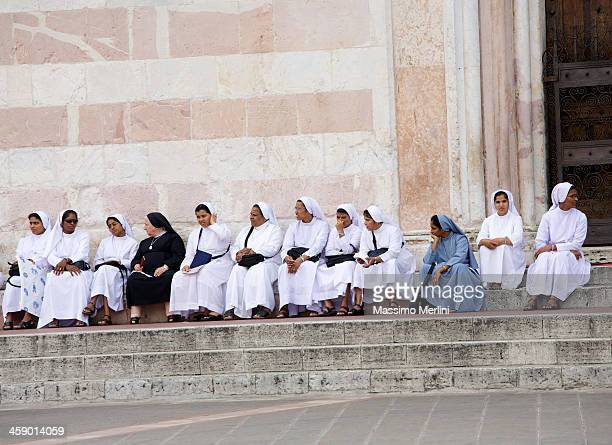 nuns - nun stock pictures, royalty-free photos & images