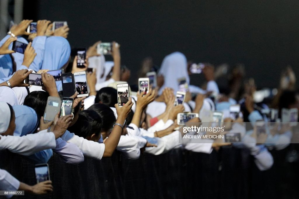 TOPSHOT-MYANMAR-VATICAN-RELIGION-POPE : News Photo