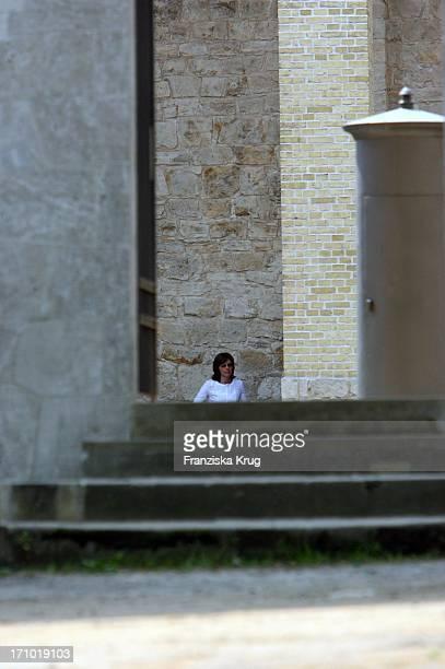Nur Gegen Freihaltung Jauch Hochzeit Dorothea Sihler Vorm Standesamt Auf Schloss Belvedere Auf Dem Pfingstberg In Potsdam Am 070706