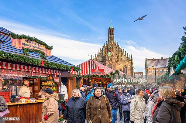 nuremberg christmas market (nürnberg christkindlesmarkt) - nuremberg stock pictures, royalty-free photos & images