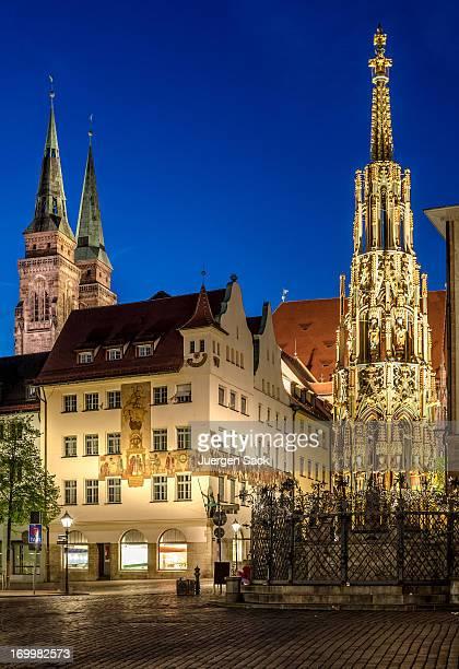 nuremberg hauptmarkt at night - nuremberg stock pictures, royalty-free photos & images