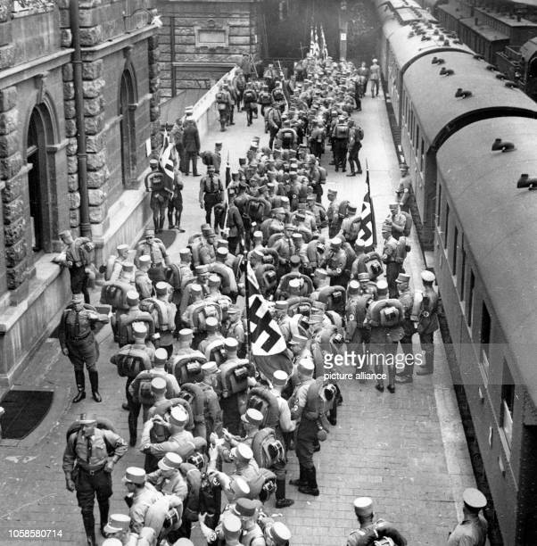 Nuremberg Rally 1933 in Nuremberg, Germany - Arrival of members of the SA by train at the central train station in Nuremberg. Photo: Berliner Verlag...