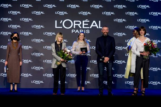 ESP: L'Oreal Awards - Mercedes Benz Fashion Week Madrid - April 2021