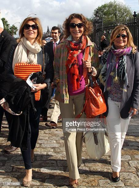 Nuria Fernandez Nati Abascal and Cari Lapique attend bullfighting at maestranza Bullring on May 3 2011 in Seville Spain