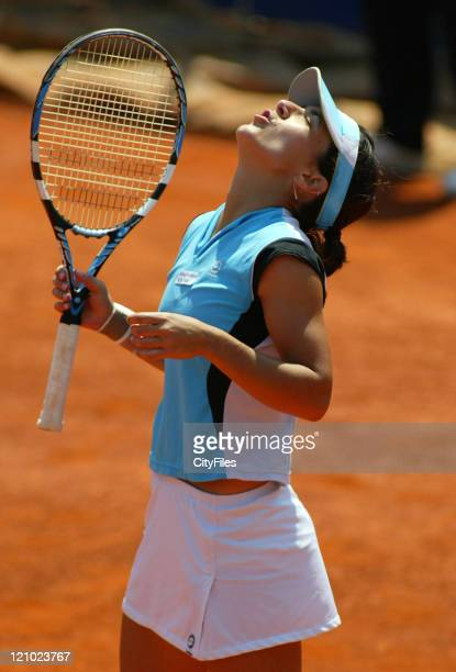 Nuria Llagostera Vives during the 2007 Estoril Open Women's Singles match between Nuria Llagostera Vives and Greta Arn on May 5 2007