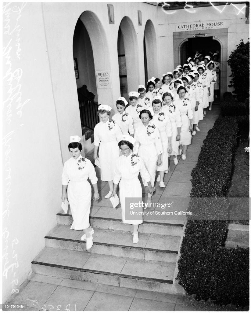 Nurse graduation at Bishop Johnson College of Nursing, 1958 : Nachrichtenfoto