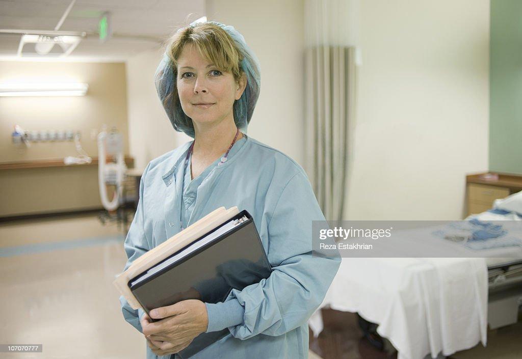 Nurse in surgical ward : Stockfoto