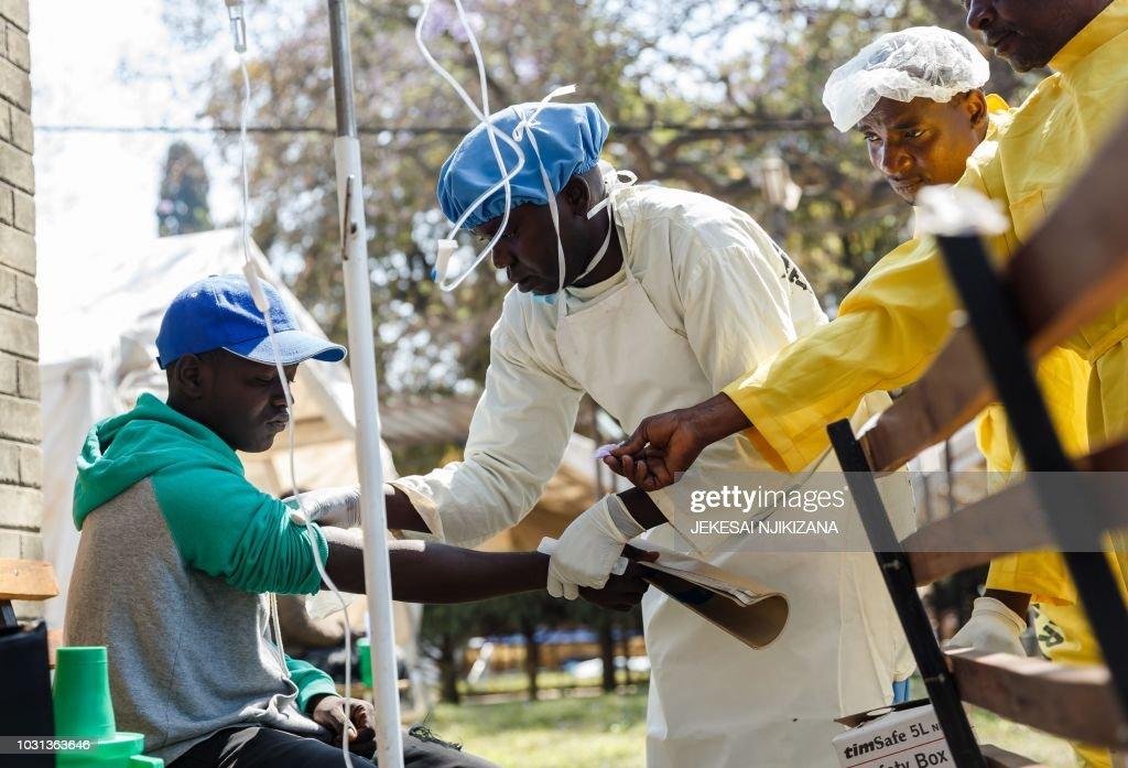 ZIMBABWE-HEALTH-CHOLERA : News Photo