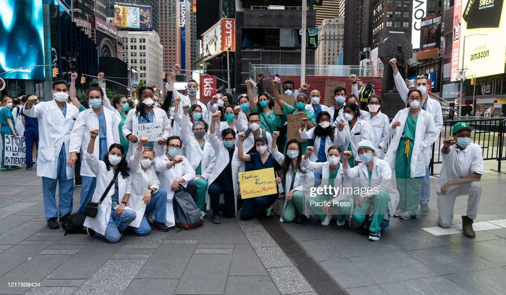 Nurses and doctors took part in a protest against the... : News Photo