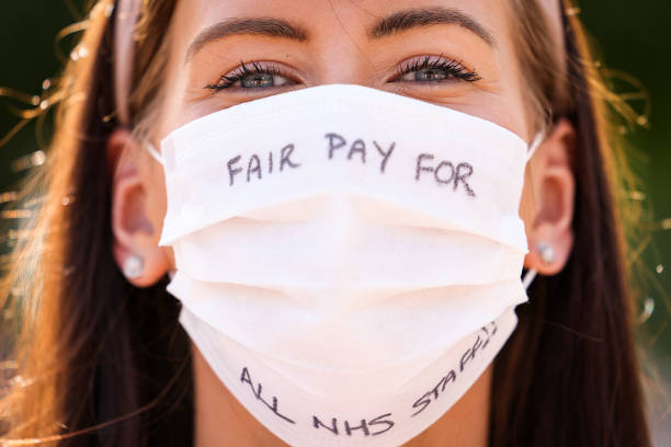 GBR: NHS Workers Demand Early Pay Rises