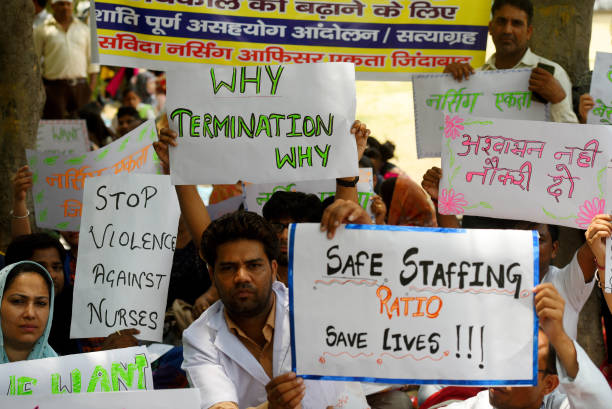 IND: Nurses Hold A Strike For The Renewal Of Their Contract At Safdarjung Hospital