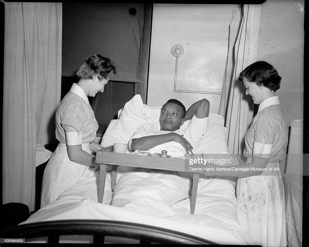 Walt Harper And Nurses : News Photo
