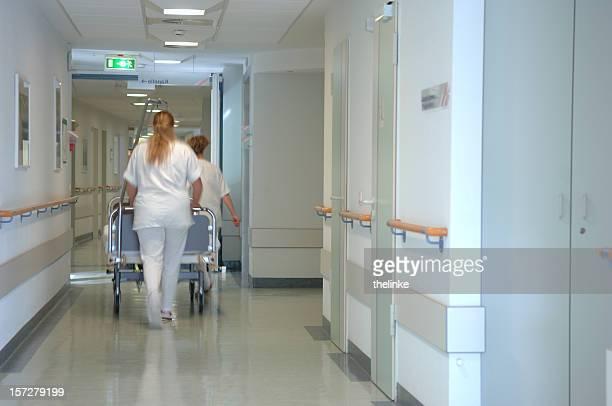 看護師、sickbed ある