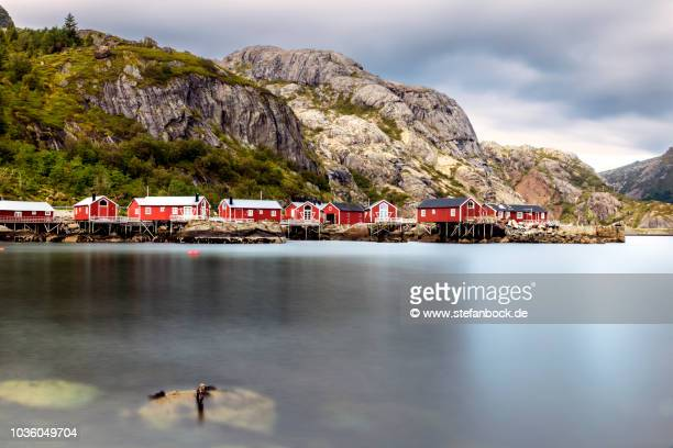 nusfjord houses lofoten - landschaft stock pictures, royalty-free photos & images