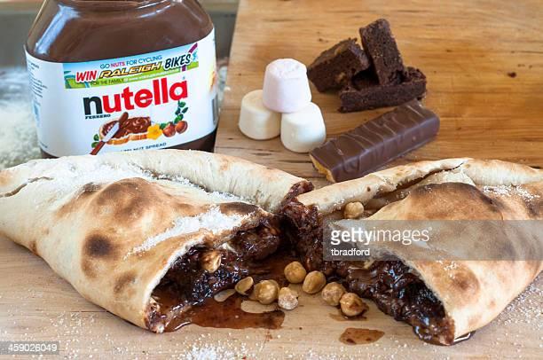 nutella con altri e dolci al cioccolato assortiti - nutella foto e immagini stock