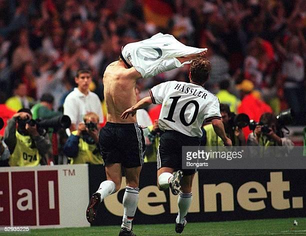 2 nV London Deutschland Europameister 1996 12 Torjubel Oliver BIERHOFF Thomas HAESSLER