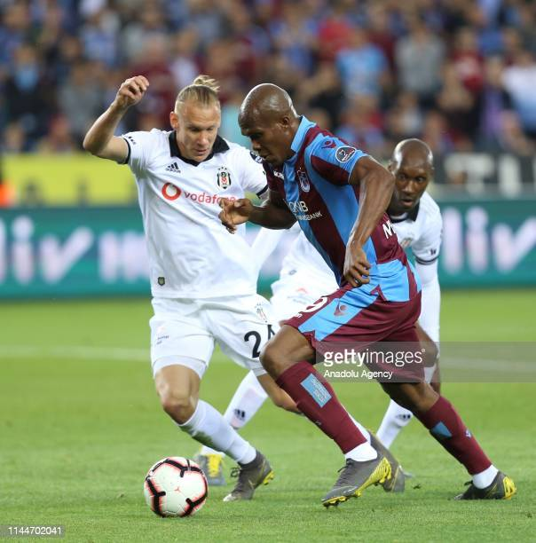 Nwakame of Trabzonspor in action against Vida of Besiktas during Turkish Super Lig soccer match between Trabzonspor and Besiktas at the Medical Park...
