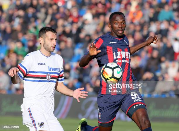 Nwankwo Simy of Crotone competes for the ball with Gian Marco Ferrari of Sampdoria during the serie A match between FC Crotone and UC Sampdoria at...