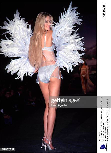Nyc 2/3/99 Victoria's Secret Fifth Annual Fashion Show At Cipriani Wall St Karen Mulder
