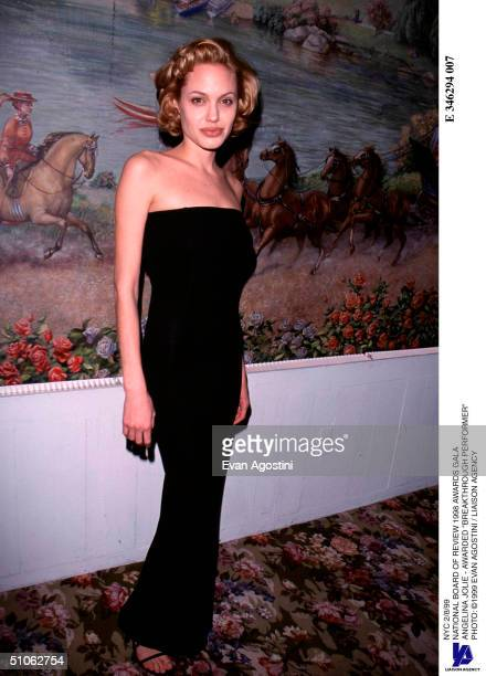 Nyc 2/8/99 National Board Of Review 1998 Awards Gala Angelina Jolie Awarded Breakthrough Performer