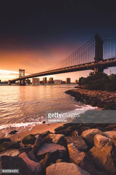 skyline de la ciudad de Nueva York al anochecer