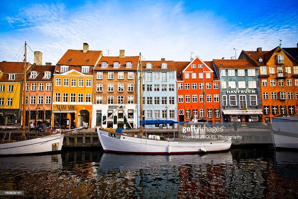 Nyhavn, colorful harbour of Copenhagen (Denmark) : Stock Photo