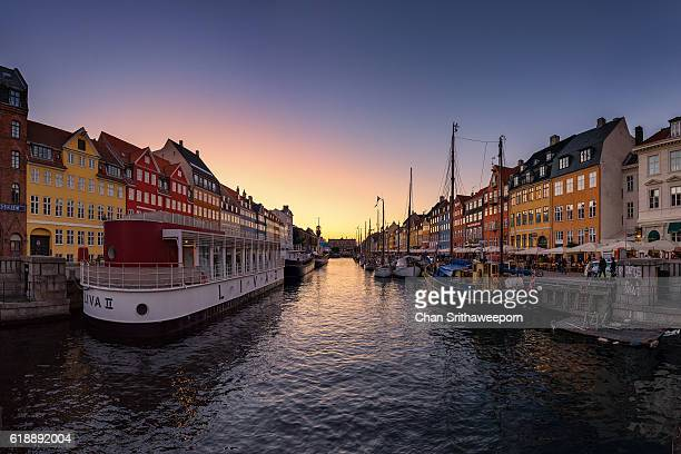 nyhavn, copenhagen, denmark - new zealand - fotografias e filmes do acervo