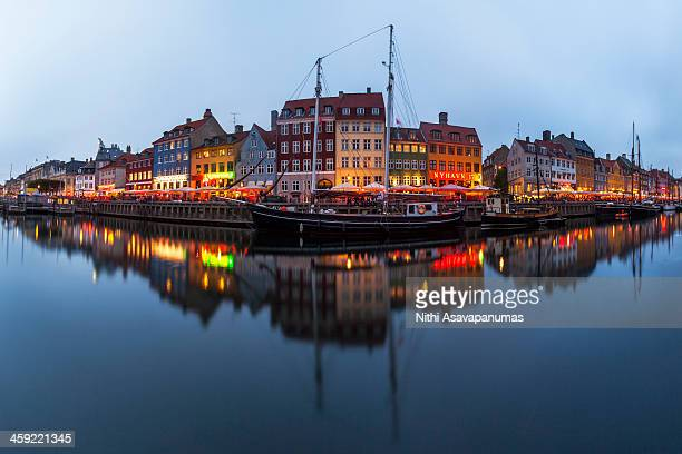 nyhavn, copenhagen - nyhavn stock pictures, royalty-free photos & images