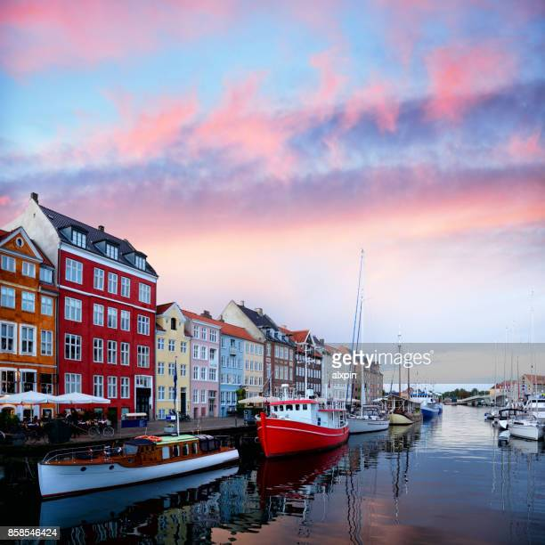 nyhavn copenhagen - nyhavn stock pictures, royalty-free photos & images