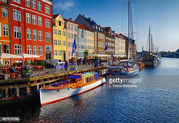 nyhavn in copenhagen, denmark - nyhavn stock pictures, royalty-free photos & images
