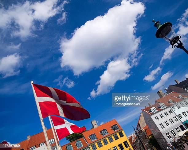 nyhavn in copenhagen - nyhavn stock pictures, royalty-free photos & images